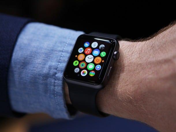 """أبل تطلق ساعتها الذكية """"AppleWatch 2"""" هذا العام"""