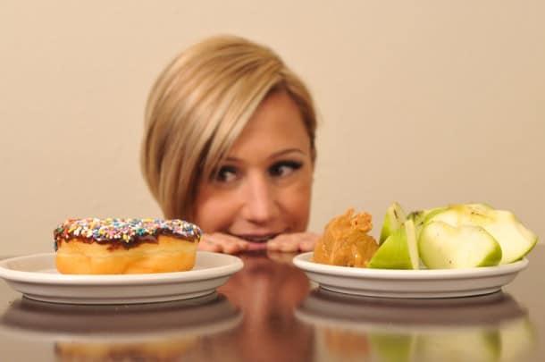 قلادة جديدة تقوم بحساب السعرات الحرارية التي تأكلها أولا بأول